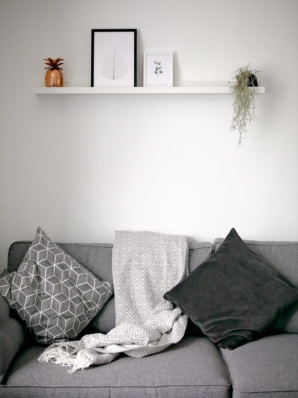 living room ikea picture shelf